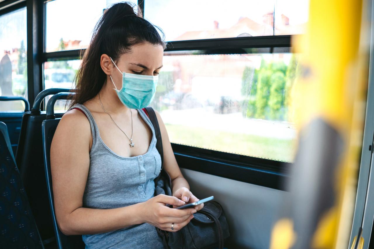 Le port du masque dans les lieux publics clos est désormais obligatoire