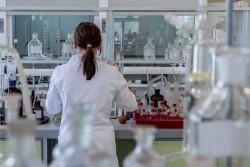 Le refus d'expertise ADN: un indice de paternité pour le juge