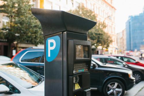 Amende de stationnement : fin de l'obligation de paiement avant contestation
