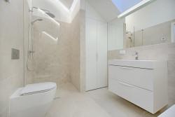 Des douches à l'italienne dans les logements neufs dès 2021