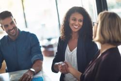 Aide à l'embauche : quelle est la date limite et le document à remplir pour percevoir l'aide?