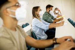 Covid-19 : les universités divisent par deux leur capacité d'accueil