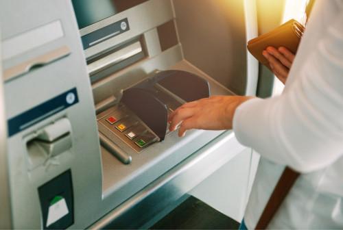 Frais bancaires réduits et plafonnés pour les clients fragiles
