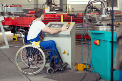 Travailleur handicapé : l'aide à l'embauche prolongée jusqu'au 30 juin 2021