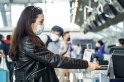 Bientôt un passeport sanitaire numérique pour voyager en avion?