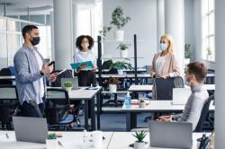 Télétravail : le retour des salariés au bureau est possible un jour par semaine