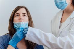 Covid-19 : un test PCR négatif obligatoire pour les Européens arrivant en France dès dimanche