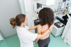 Cancers du sein et du col de l'utérus : dépistage gratuit pour les femmes à partir de 25 ans