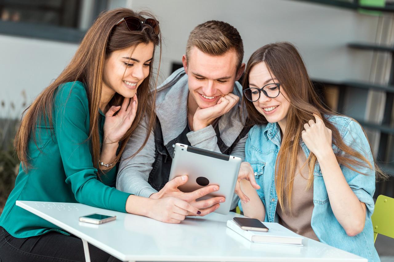 InserJeunes : la plateforme dédiée à l'orientation des jeunes en voie professionnelle