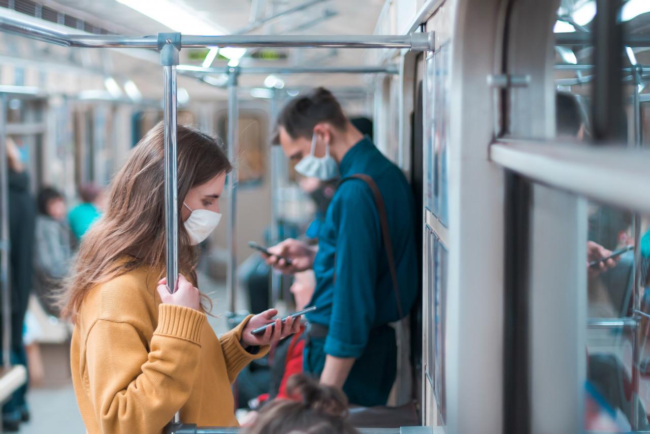 Covid-19 : des caméras vont étudier le respect du port du masque dans les transports