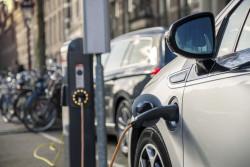 Le gouvernement lance un microcrédit de 5 000 euros pour l'achat d'un véhicule propre