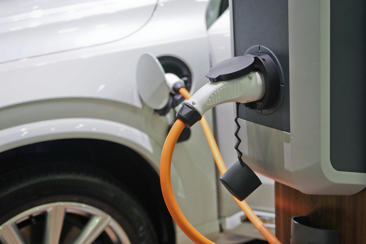 Voiture électrique : un crédit d'impôt pour installer une borne de recharge