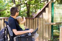 PCH parentalité : une mesure jugée insuffisante selon APF France handicap