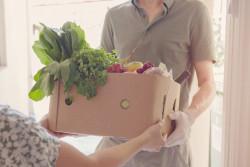 Chèque alimentaire : Julien Denormandie veut privilégier les 18-25ans