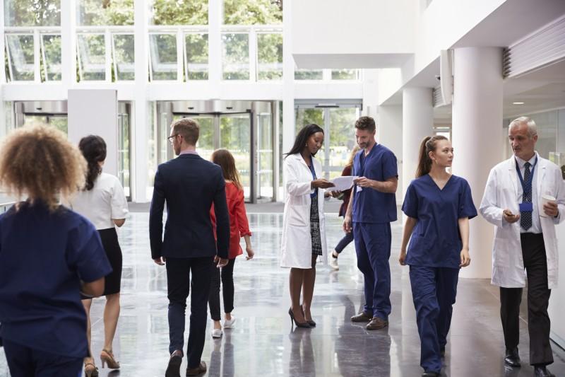 Les cliniques privées sont désormais autorisées à ouvrir des centres de santé
