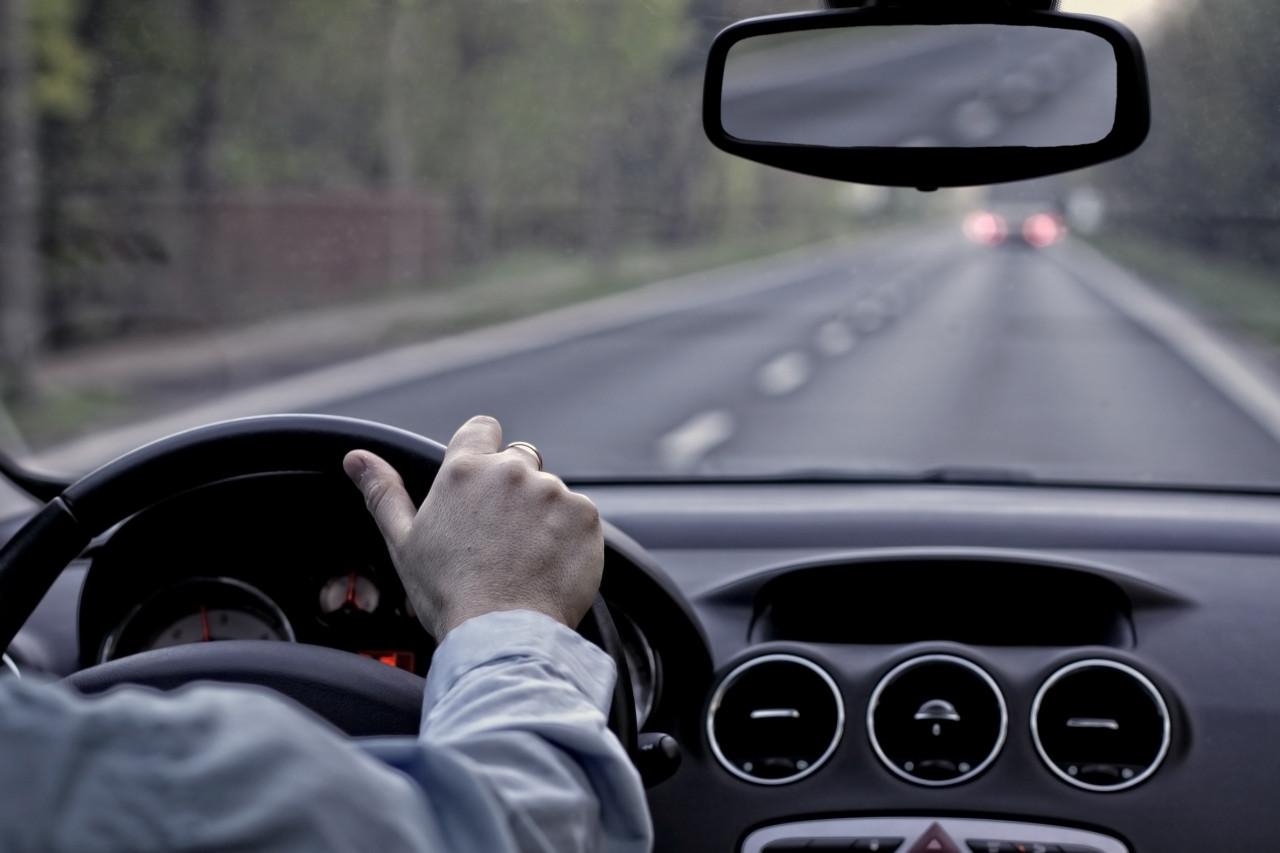 Sécurité routière : les voitures neuves seront équipées d'une boîte noire dès mai 2022