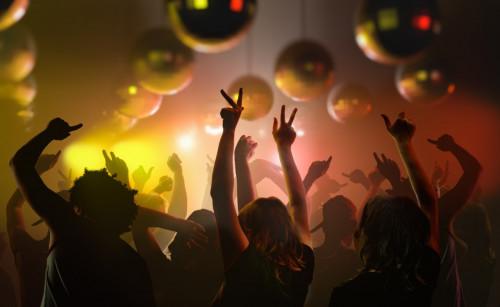 Déconfinement : les discothèques vont-elles rouvrir dès le 2 juillet ?