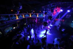 Covid-19 : les discothèques pourront rouvrir le 9 juillet