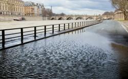 Risque d'inondation élevé sur la majeure partie de la France : que faire si vous êtes dans un département placé en vigilance orange ou rouge?