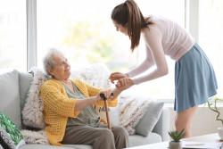 Personnes âgées et autonomie : une campagne d'information sur les aides