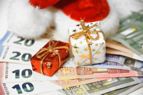 Prime de Noël 2021 : comment en bénéficier et quand sera-t-elle versée ?