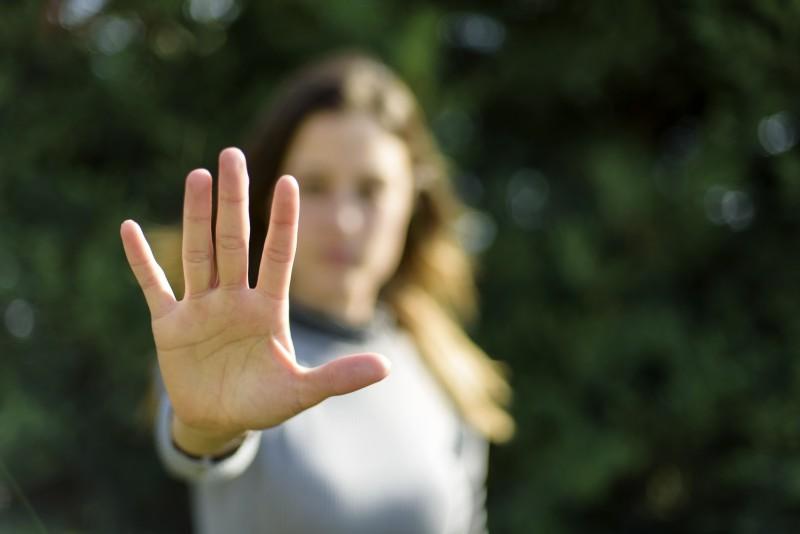 Violences sexuelles : le gouvernement promet d'étudier rapidement les besoins de subventions des associations d'aide aux femmes
