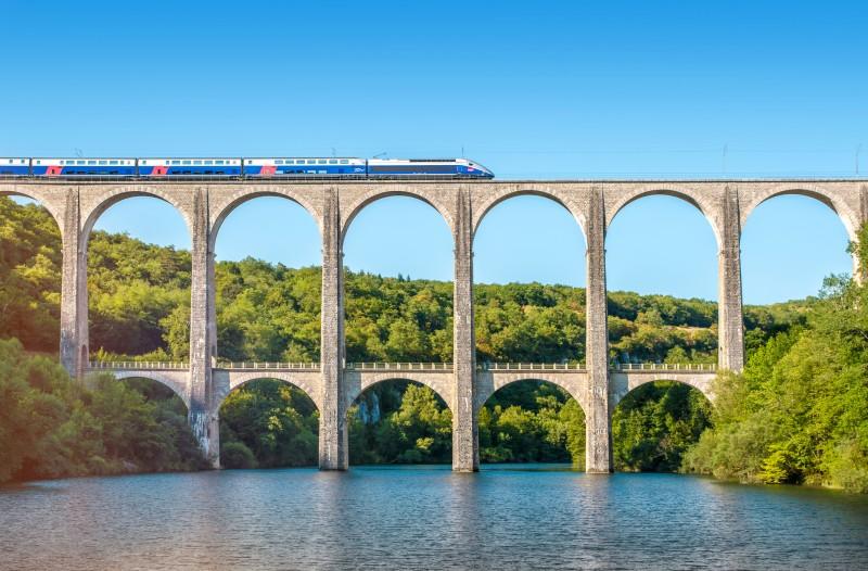 Rapport sur la SNCF : 40 propositions sur la table pour améliorer le transport ferroviaire français