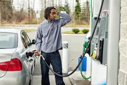 Carburants : l'Industrie pétrolière demande au gouvernement de ralentir la flambée des taxes