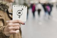 Favoriser l'égalité femmes-hommes: les annonces du gouvernement