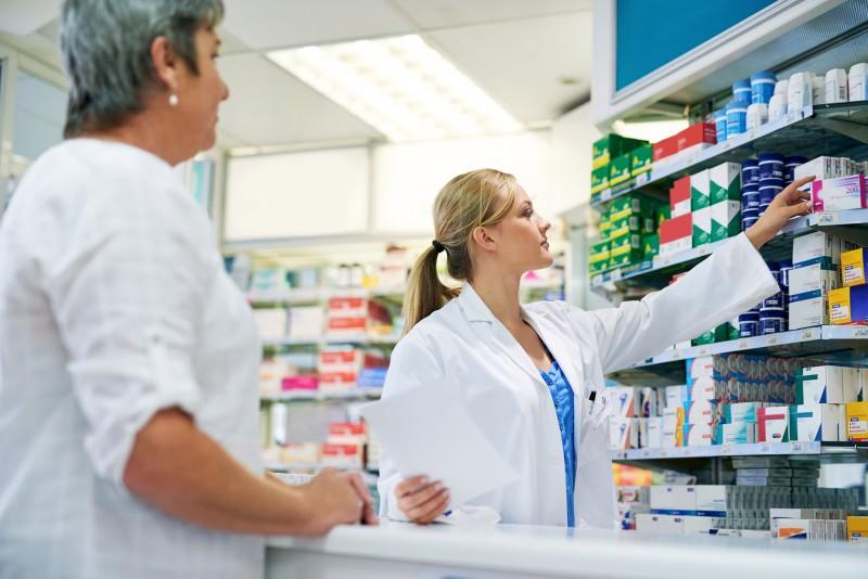 Médicaments sans ordonnance : un surdosage de paracétamol conseillé par 1 pharmacien sur 4