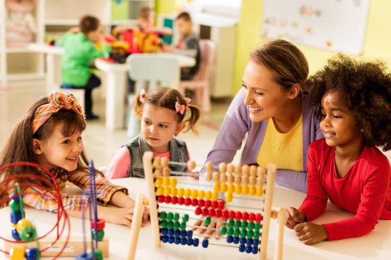 L'école obligatoire commencera dès 3 ans à partir de la rentrée 2019