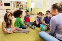 Assises de l'école maternelle: les ATSEM attendent plus que des félicitations