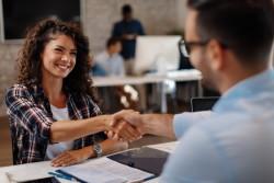Proch'emploi recrutement entreprises : une aide gratuite proposée aux chefs d'entreprise pour trouver des candidats