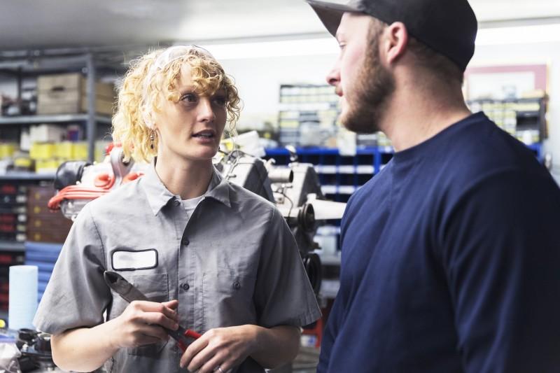 Est-ce légal d'ouvrir un statut d'auto-entrepreneur pour conserver son poste?