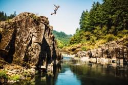 Plonger sans vérifier la profondeur de l'eau est une imprudence grave