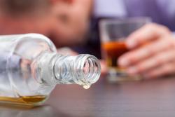Prévention sur l'alcool: l'ANPAA propose d'interdire les slogans du type «à consommer avec modération»