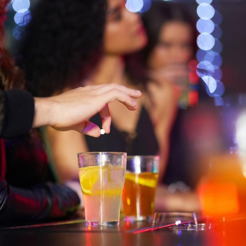 GHB/GBL et alcool : un mélange extrêmement dangereux inquiète les milieux de la nuit