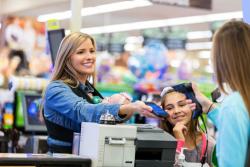Payer ses courses en différé sans frais à partir de 20 € d'achat dans les supermarchés Casino pour les fins de mois difficiles
