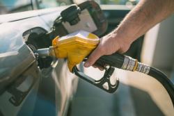 Prix du carburant en forte augmentation en 2018 à cause des hausses des taxes et des marges des distributeurs selon la CLCV
