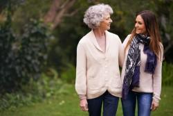 Gendres et belles-filles ont l'obligation d'aider leurs beaux-parents dans le besoin