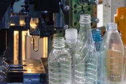 Le plastique prospère malgré les pressions environnementales qui pèsent sur ses produits à usage unique