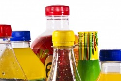 L'interdiction des bouteilles d'eau en plastique dans la restauration collective écartée