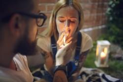 Cigarette de cannabis : des élus demandent la légalisation pour un usage thérapeutique