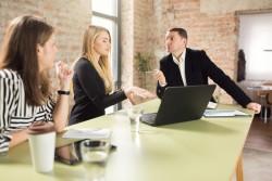 Un salarié qui critique son entreprise sur internet peut être licencié pour faute