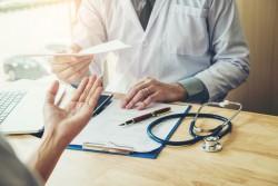 Médicament non substituable : le refus de délivrance d'un médicament générique doit être justifié par le médecin