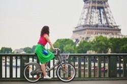 Pistes cyclables à Paris: des caméras pour verbaliser les voitures et les scooteurs les empruntant