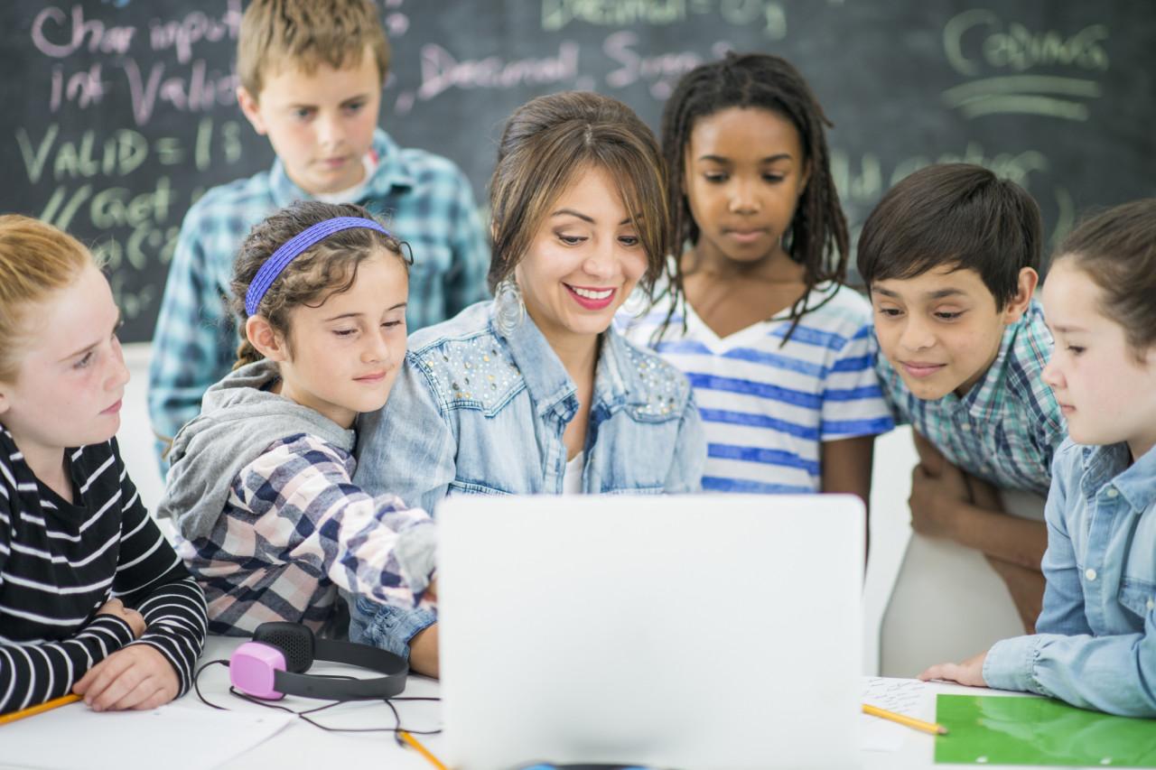 Les promeneurs du Net accompagnent les jeunes dans l'utilisation d'Internet