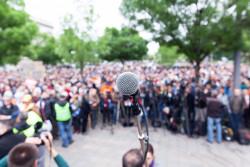 Comment organiser un événement sur la voie publique ?