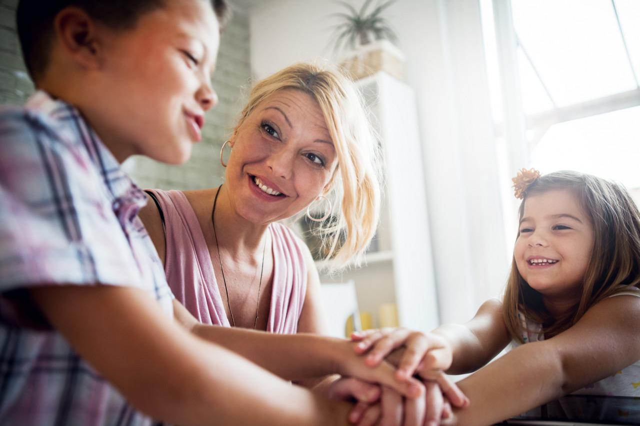 Comment les parents employeurs peuvent déléguer le versement du salaire de leur nourrice en utilisant Pajemploi +?