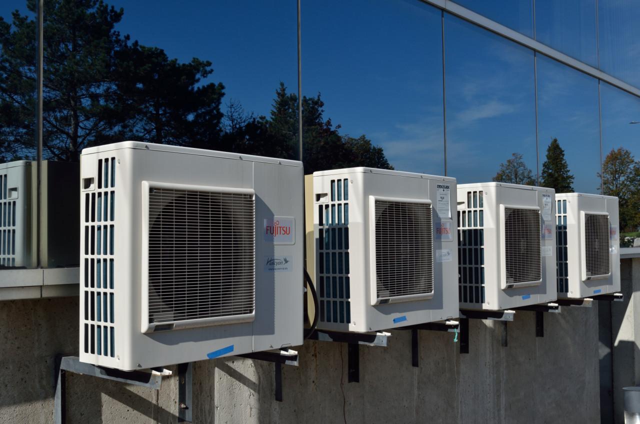 Quels sont les effets négatifs de la climatisation sur notre santé et notre environnement ?